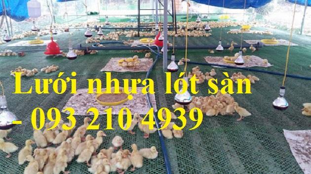 luoi-nhua-lot-san-chuong-nuoi